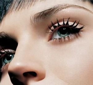 Cuidados no uso de maquiagem e cosméticos